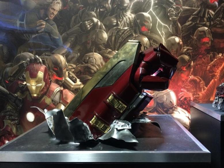 Os-Vingadores-2-Comic-Con-2014-Hulkbuster